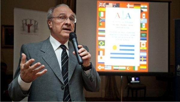 Bienvenido Dr. Walter Reyes Caorsi al equipo de salud de la Asociación Médica FEMI San José