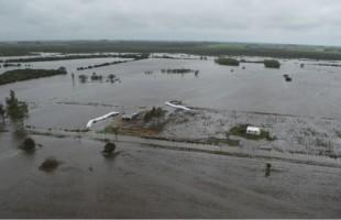 AMSJ reconoció a los funcionarios por su solidaridad y labor en las últimas inundaciones